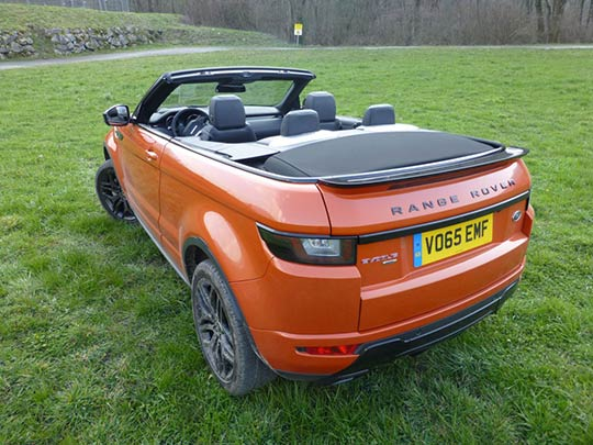 there are only two rear seats instead of the Evoque coupe