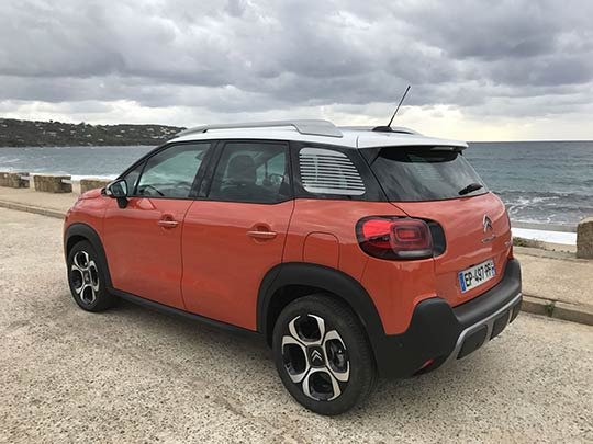 The rear of Citroen C3 Aircross is similar to the MINI countryman and has distinctive tail lights for a strong rear identity.