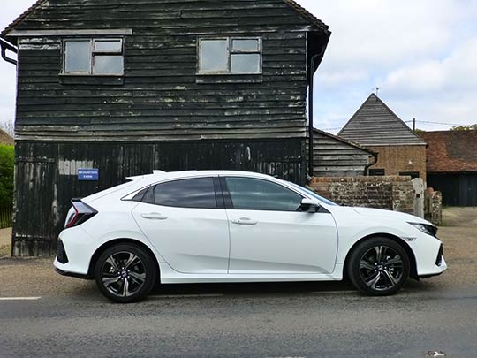 The new Honda Civic range offers the choice of petrol or diesel engines and manual or automatic gearbox.